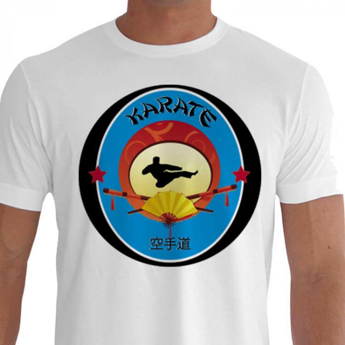 Camiseta - Karatê - Mestre Dando uma Voadora Chute de Fora para Dentro Tobi Uti Mawashi