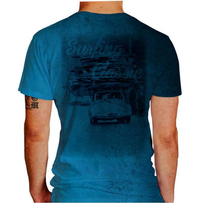 Camiseta - Surf - Surfistas de Fusca Carregando Várias Pranchas Surfing Classic Costas Azul