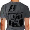Camiseta - Fórmula 1 - Dois Pilotos Disputa Curva Aberta de Alta Velocidade Costas Cinza