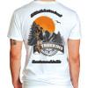 Camiseta - Trekking - Aventureiro Caminho Montanha Frase A Felicidade só Será Real se Você Correr Atrás Dela Costas Branca