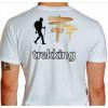 Camiseta - Trekking - Trekkeiro na Caminhada Placas Indicando Costas Branca